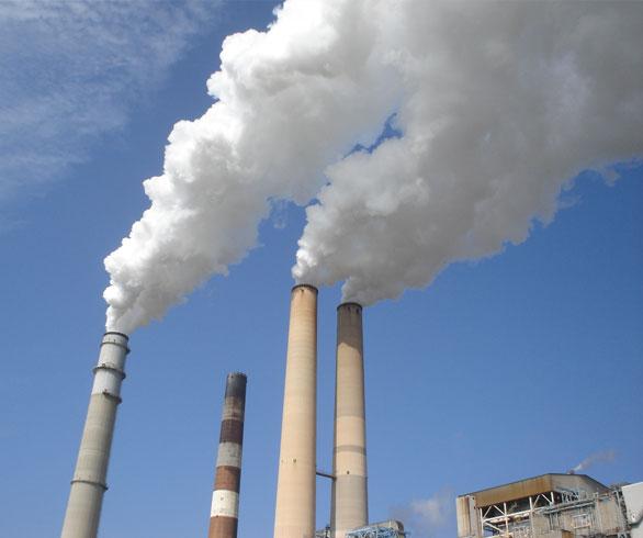 Nell'Italia che frena le rinnovabili le emissioni di CO2 tornano a salire