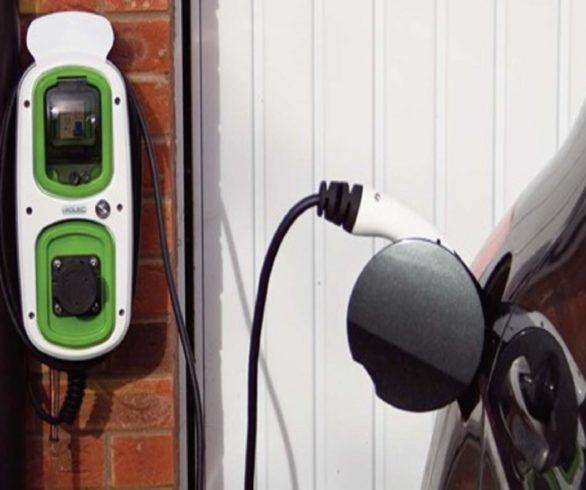 wallpod-ev-homecharge-charging-burgundy-vehicle-in-eye-original-original-original-e1473672765226
